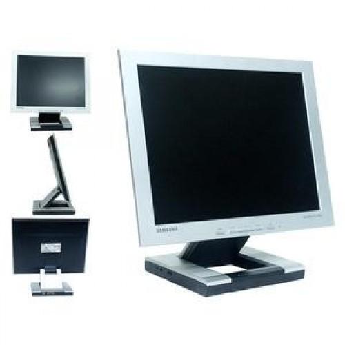 Monitoare LCD Samsung SyncMaster 152S, 15 inci, boxe incorporate, VGA, Audio, Mic, 16.7 milioane culori ***